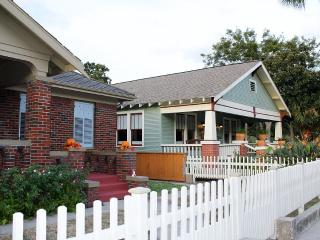Charming Craftman Style Cottage at  Galveston