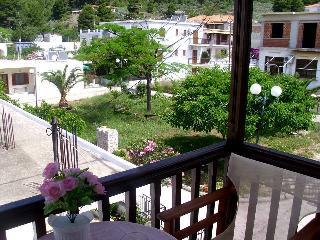 Apartment in skopelos by the beach, Neo Klima