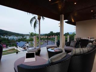 EMERALD: 7 Bedroom, Private Pool Villa, near Beach