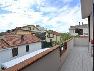Agropoli Villa Sleeps 2 with Air Con - 5229169