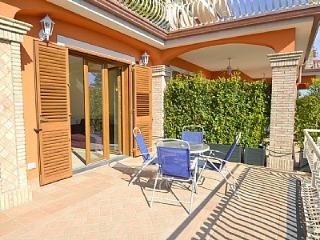 Trecastagni Villa Sleeps 6 with Air Con and WiFi - 5229181