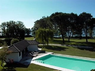 Lesa Villa Sleeps 8 with Pool Air Con and WiFi - 5229257