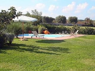 Certosa Villa Sleeps 5 with Pool Air Con and WiFi - 5229265