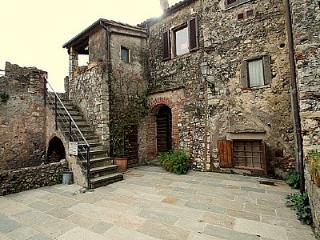 2 bedroom Villa in Capalbio, Tuscany, Italy : ref 5229302