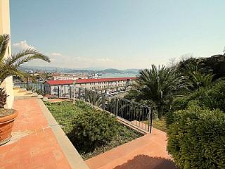La Spezia Villa Sleeps 2 with Air Con and WiFi - 5229305