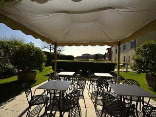 San Felice del Benaco Villa Sleeps 4 with Pool Air Con and WiFi - 5229317