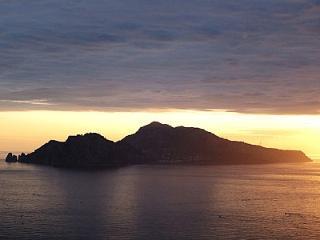 Marina del Cantone Villa Sleeps 6 with Air Con - 5229319