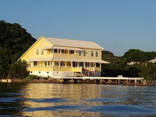 Cay House, Jewel of the Bay, Utila
