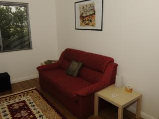 Hunter Valley 1br NEW Lavender Cottage - A GEM!, Cessnock