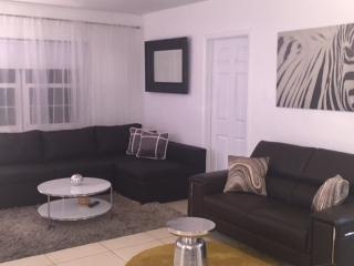 CHARMING 3BED/2BATH HOUSE, Miami