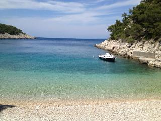 Hvar beach house, Brusje