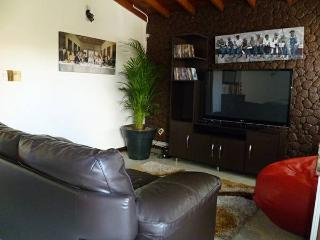 FOUR BEDROOM SPACIOUS HOUSE IN LAURELES