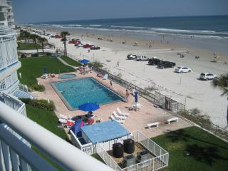 Large Direct Oceanfront Southeast Corner End Unit, Daytona Beach