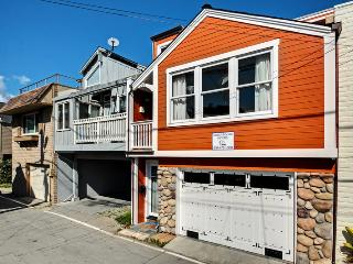 320 Riverview Avenue, Capitola