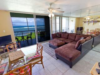 1BR Oceanfront Condo; Pool; Walk to Harbor & Shops, Wailuku