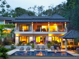 SUNSTONE: 8 Bedroom, Private Pool Villa near Beach