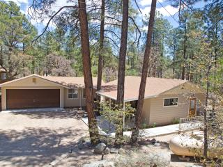 Goldwater Lake Pinehurst Cottage in the Pines, Prescott