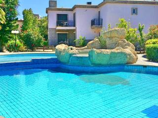 Seafront villa with pool in tourist area Larnaca, Oroklini
