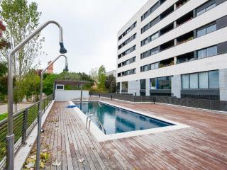 Next to the beach and with pool!, Barcelona