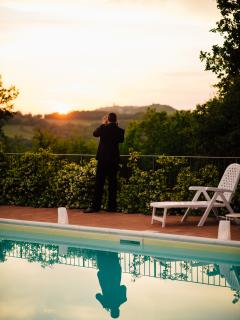 Peaceful Tuscany for 2 with shared swimming pool