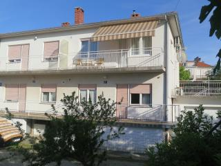 Apartment Marohnic****