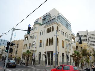Beautiful Renovated 2bd Apt With Sea View - #7, Tel Aviv