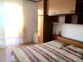 Keko's room 5 for 2 - 150 meters from the beach, Rab Island
