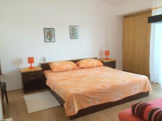 Keko's apartment 3 for 2 with AC and WiFi, Rab Island