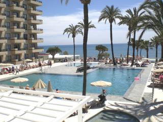 Sol House (Beside beach and marina), Benalmadena
