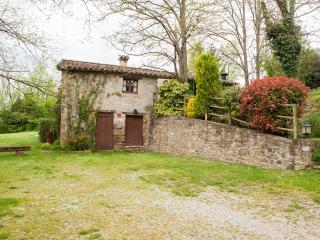 Tranquila casa rural con buenas vistas y barbacoa.