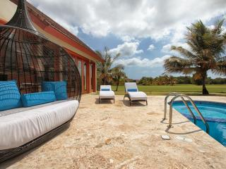 Mindblowing Villa -4.5BD Luxury  w/Full Staff Golf, Punta Cana
