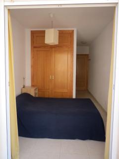 Habitación cama de matrimonio.