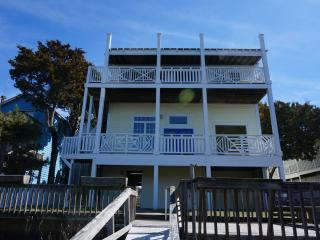 Large home on deep water - walk to ocean and beach
