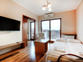 Angel City 81 Apartment, Krakow