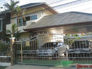 Large Modern House with a Private Swimming Pool Available to Rent at Chalong HOL3345