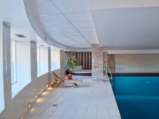 The Luxurious Penthouse (Peymans), Cambridge