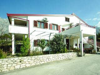 36213 A1(4+1) - Makarska