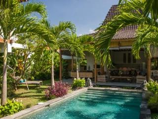 4Bed Villa Near Oberoi Very Central, Seminyak