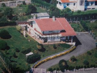 Lekeitio. Vistas y jardin privado