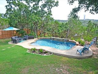 4BR/2.5BA Ideal Home in Lakeway 1/2 Mile from Lake with Pool. Sleeps 14!, Austin