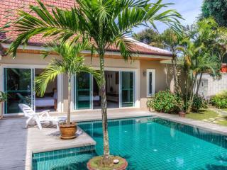 Big 3br villa privacy pool & nice garden