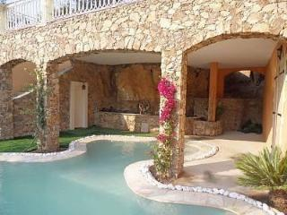 Maison Sara avec piscine contemporaine, Les Issambres