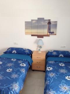 Habitación 2:Dos camas 90 cm