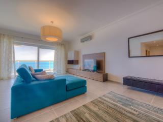 OCEAN VIEW LUXURY 2 BEDROOOM APARTMENT WITH POOL
