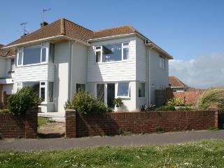 Shoreham Family Modern Beach House Sleeps 6