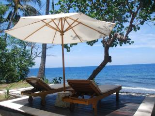 "1BR Beachfront Villa ""Honeymoon Escape"", Singaraja"