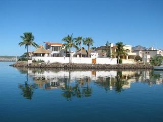 # 28 Marina Real, San Carlos