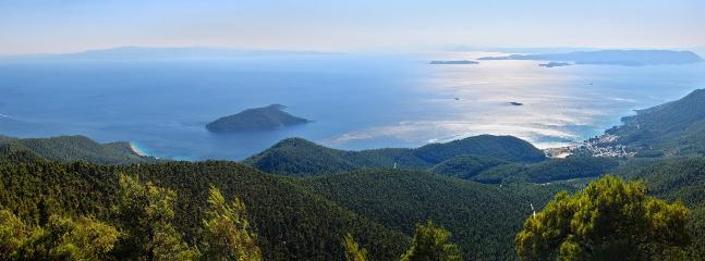 Fantastic views from Delfi mountain in the center of the island