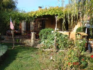 maison avec piscine dans le calme absolu, L'Isle-sur-la-Sorgue