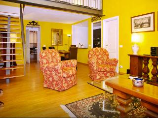 Fabulous 2Bdr loft in great Oltrarno location!, Florence